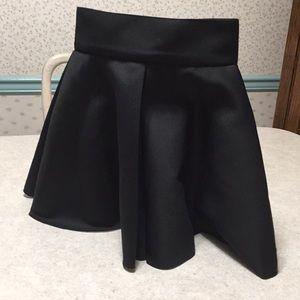 H&M  BLACK SCUBA SKATER SKIRT